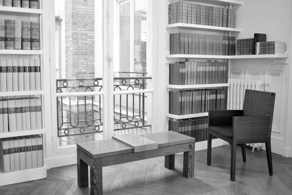 Thumbnail for Une bibliothèque dans un cabinet d'avocat