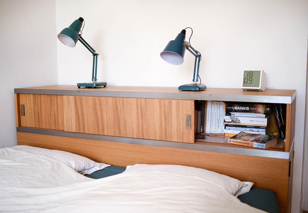 Thumbnail for Une console tête-de-lit pour Mélanie